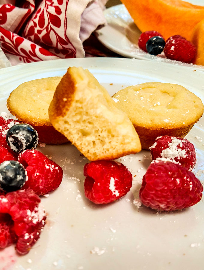 Sweetened cream cheese pancakes, mini muffins or doughnuts are convenient for grab and go breakfast